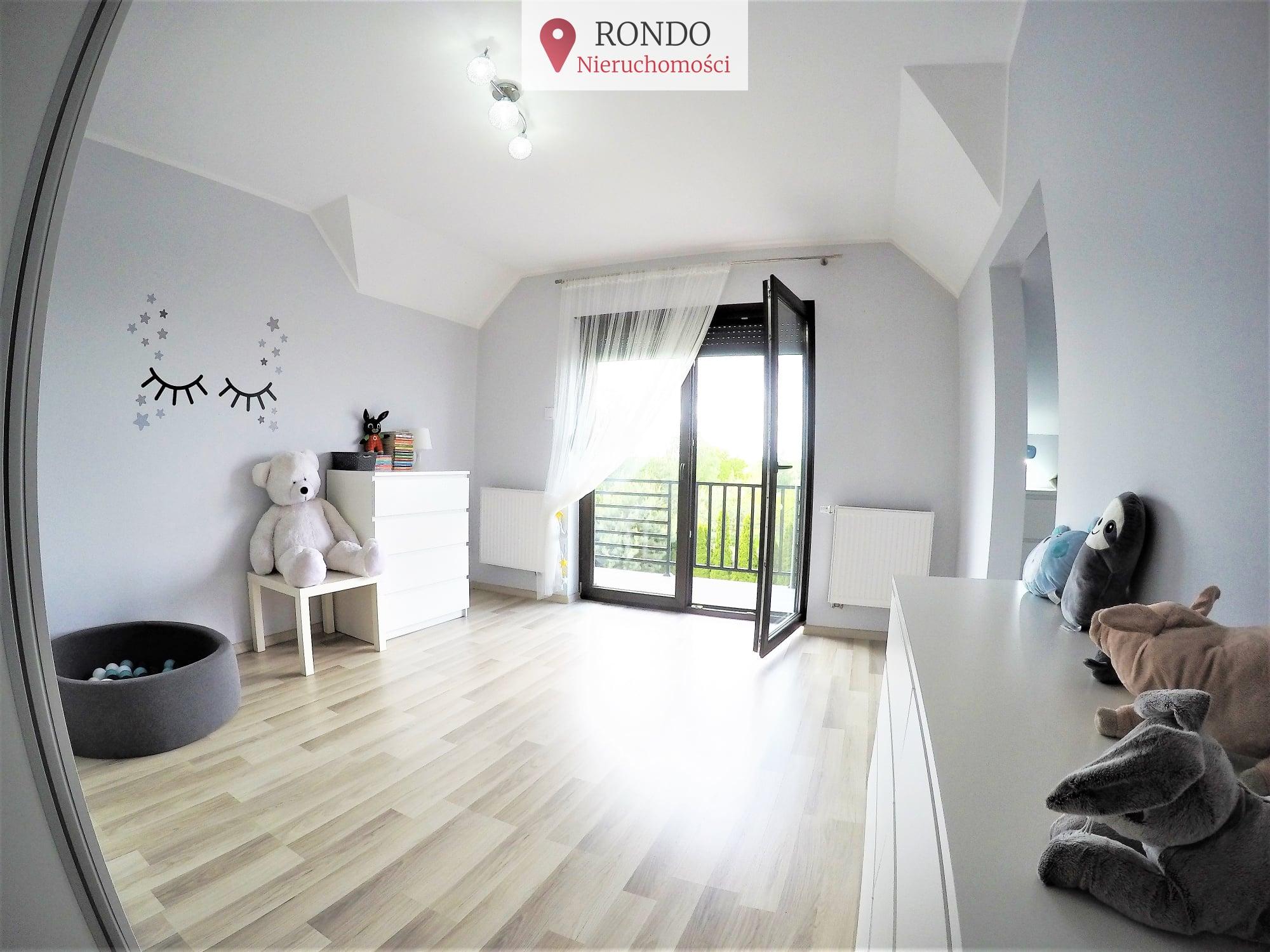 3 Bedrooms Bedroomssypialnie, 6 Rooms ,2 Bathrooms,Domy,Sprzedaż,1100