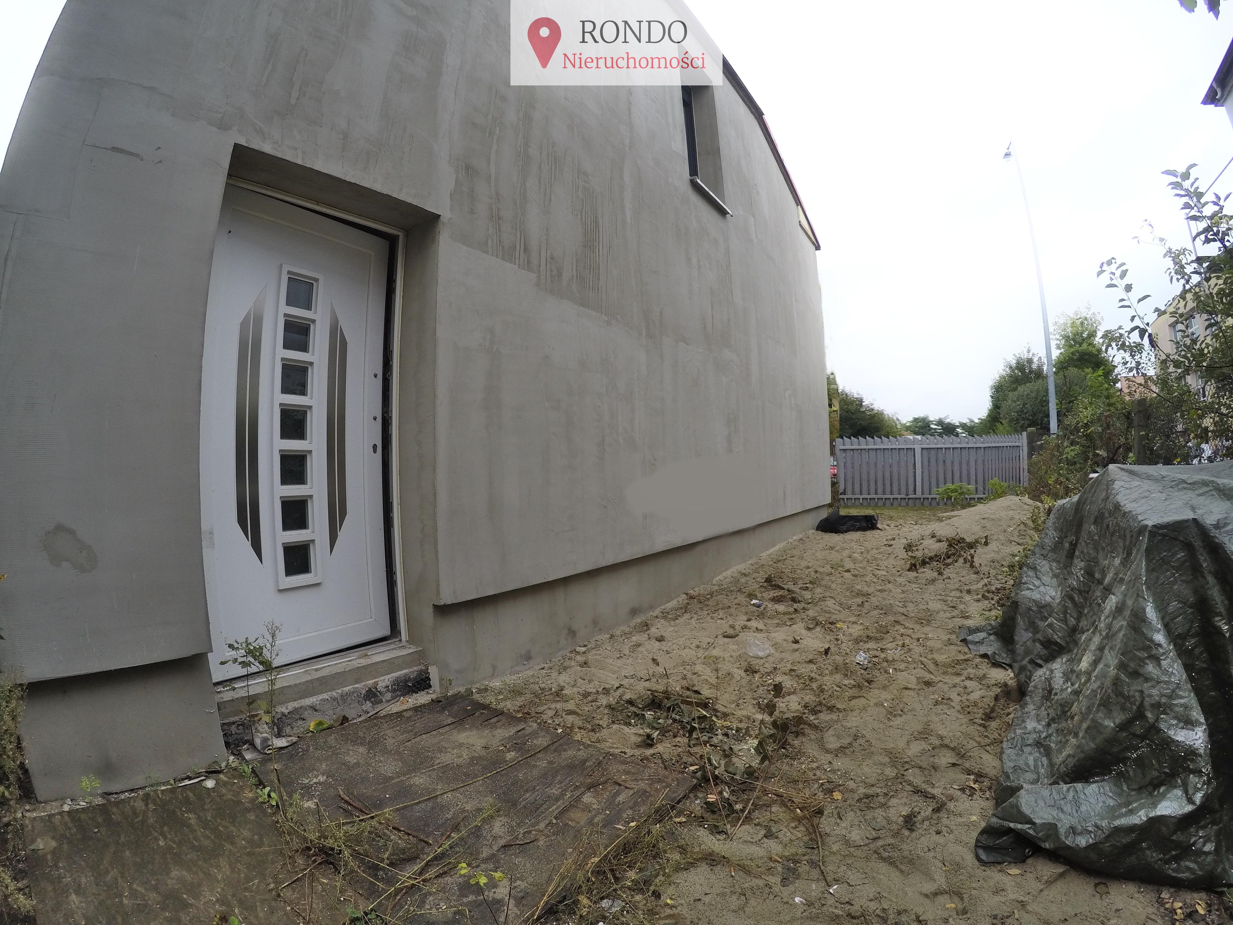 Na sprzedaż dom wolnostojący do remontu z możliwością dowolnej aranżącji wnętrza